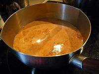 チャイの作り方~紅茶、牛乳を煮出す